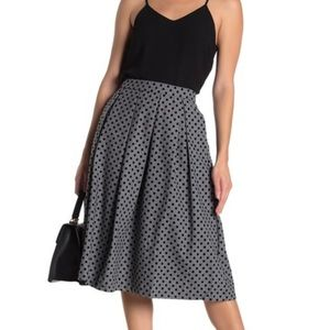 NWT FRNCH flocked gray polka dot skirt.